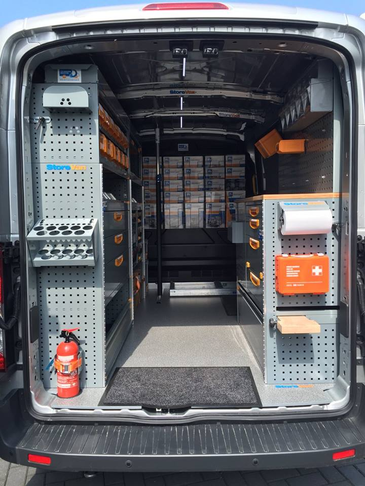 demobus-binnenkant-storevan